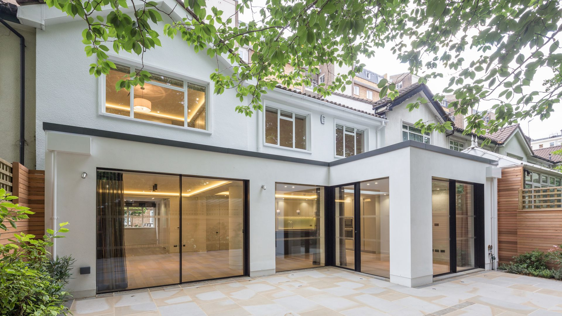 Montrose Court to dom położony w londyńskiej dzielnicy Kensington. Jego powierzchnia użytkowa wynosi 350 metrów kwadratowych. Fot. Nick Leith-Smith