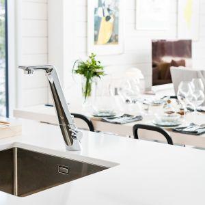 Dzięki posiadaniu wielu funkcjonalności i stosowanej w nich innowacyjnej technologii, baterie kuchenne mogą stać się nieocenionym pomocnikiem podczas wykonywania codziennych obowiązków. Fot. Oras