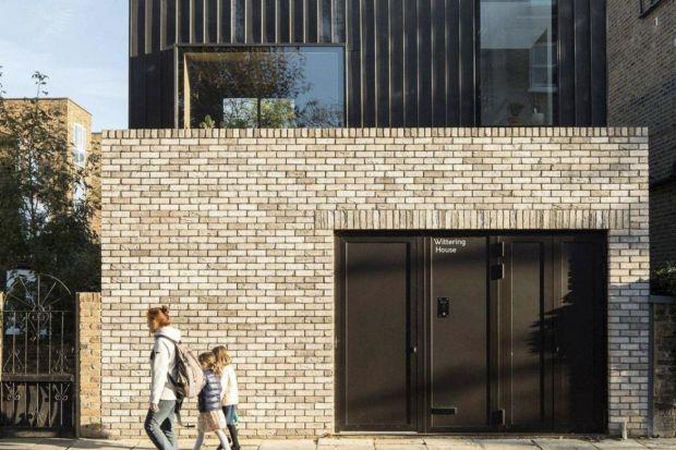 Rezydencja Wittering House, zlokalizowana w Finsbury Park w północnej części Londynu, przeszła gruntowną renowację, dzięki czemu zyskała komfortową i nowoczesną przestrzeń mieszkalną.