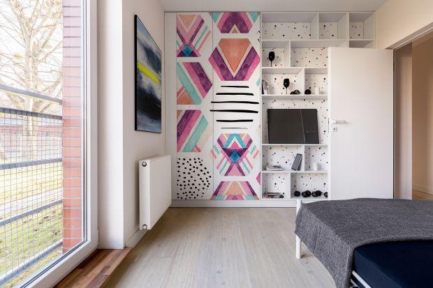Istnieją różne metody renowacji mebli dla domowych majsterkowiczek i majsterkowiczów - od malowania i lakierowania całych powierzchni, przez ozdabianie wybranych elementów. Niestety nie każdy materiał, z którego wykonane są meble, nadaje się do