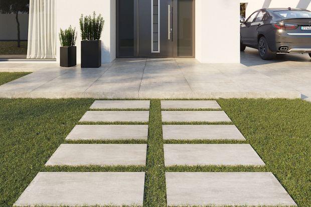 Płyty gresowe świetnie sprawdzą się w aranżacji ścieżek ogrodowych, nawierzchni wokół domu czy tarasu.