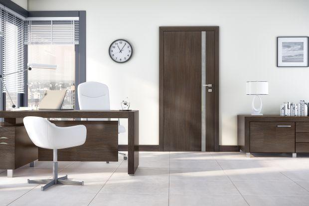 Ościeżnica jest istotnym elementem systemu drzwiowego decydującym o jego funkcjonalności i atrakcyjnym wyglądzie. Podstawowym kryterium różnicującym ościeżnice jest ich konstrukcja, która może być stała lub regulowana.