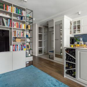 W mieszkaniu przejawia się wiele stylów projektowych. Fot. Pion Poziom Fotografia Wnętrz