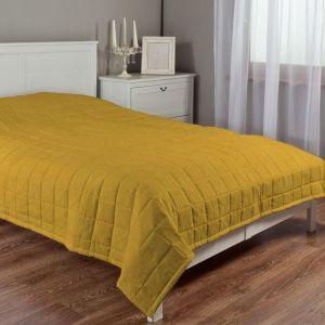 Aby uprzyjemnić sobie wstawanie jesienią, zadbaj o odpowiednią metamorfozę sypialni. Fot. Dekoria