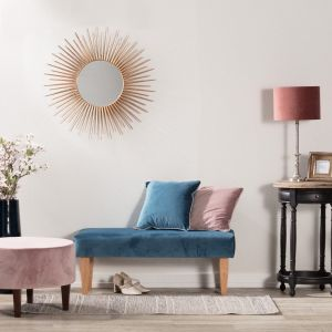 Jesienią, kiedy więcej czasu spędzamy w domu, warto zadbać o funkcjonalność pomieszczeń, zwłaszcza sypialni. Fot. Dekoria