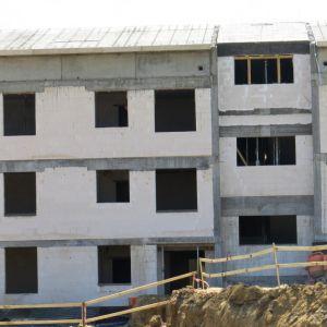 Ekologiczne materiały budowlane powinny powstawać z naturalnych surowców nieszkodliwych dla środowiska i zdrowia ludzi. Fot. H+H