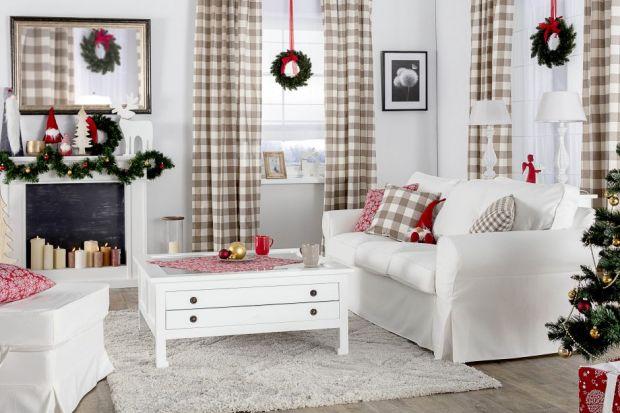 W galeriach handlowych królują już choinki, światełka i mikołaje, ale w Twoim domu wciąż stoją jesienne dekoracje? Nie czujesz jeszcze bożonarodzeniowej atmosfery? Wprowadź ją do swojego domu dzięki 4 praktycznym poradom.