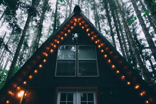 Świąteczne lampki na dachu. Jakie wybrać?