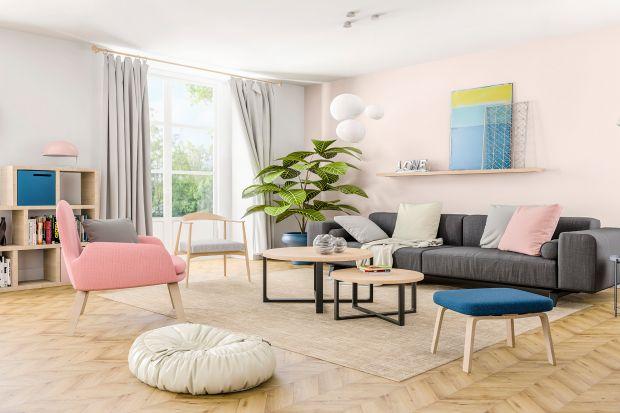 Wiele osób obawia się wprowadzania różowych barw do aranżacji mieszkania. Wystarczy jednak odpowiedni dobór kolorów i dodatków, aby stworzyć niesamowite wnętrza, w których róż zaprezentuje się pięknie. W zależności od wybranego odcienia,
