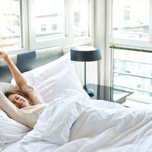 Sypialnia powinna być pomieszczeniem, które bezsprzecznie kojarzy się z odczuwaniem przyjemności. Fot.123rf