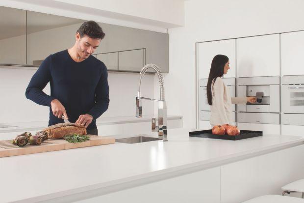 Prezentujemy kilka nowoczesnych modeli baterii, które będą ozdobą każdej współczesnej kuchni.