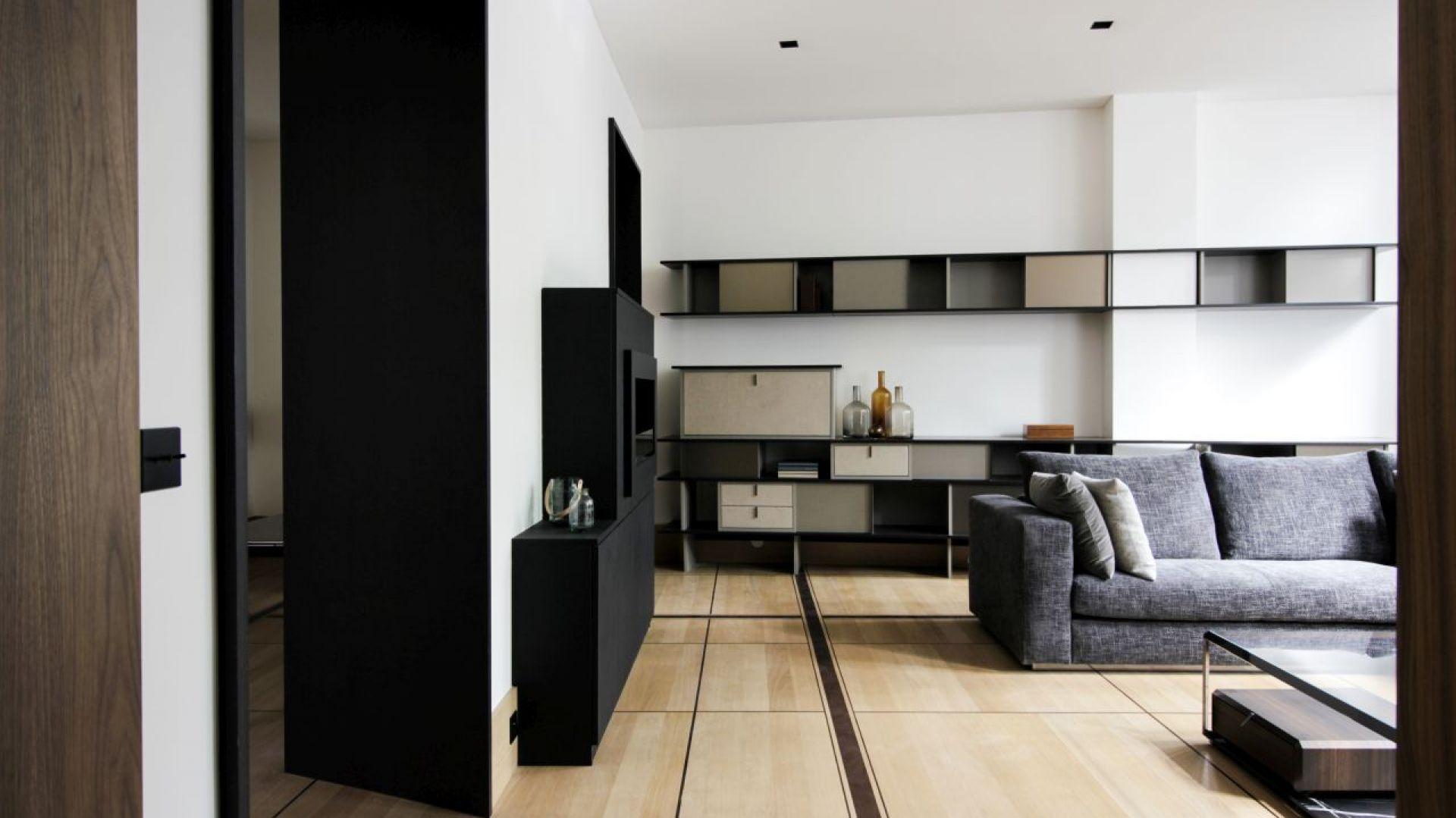 Architekci ze studia Atelier Aurélie Rimbert pracowali nad projektem renowacji tego historycznego apartamentu