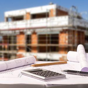 """Najnowocześniejszą metodą instalacji okien jest montaż z wysunięciem w warstwę izolacji, który pierwotnie wykorzystywany był w budynkach pasywnych, a następnie, jako dobra praktyka """"przeniknął"""" również do budownictwa standardowego. Czym się charakteryzuje? Fot. Fotolia"""