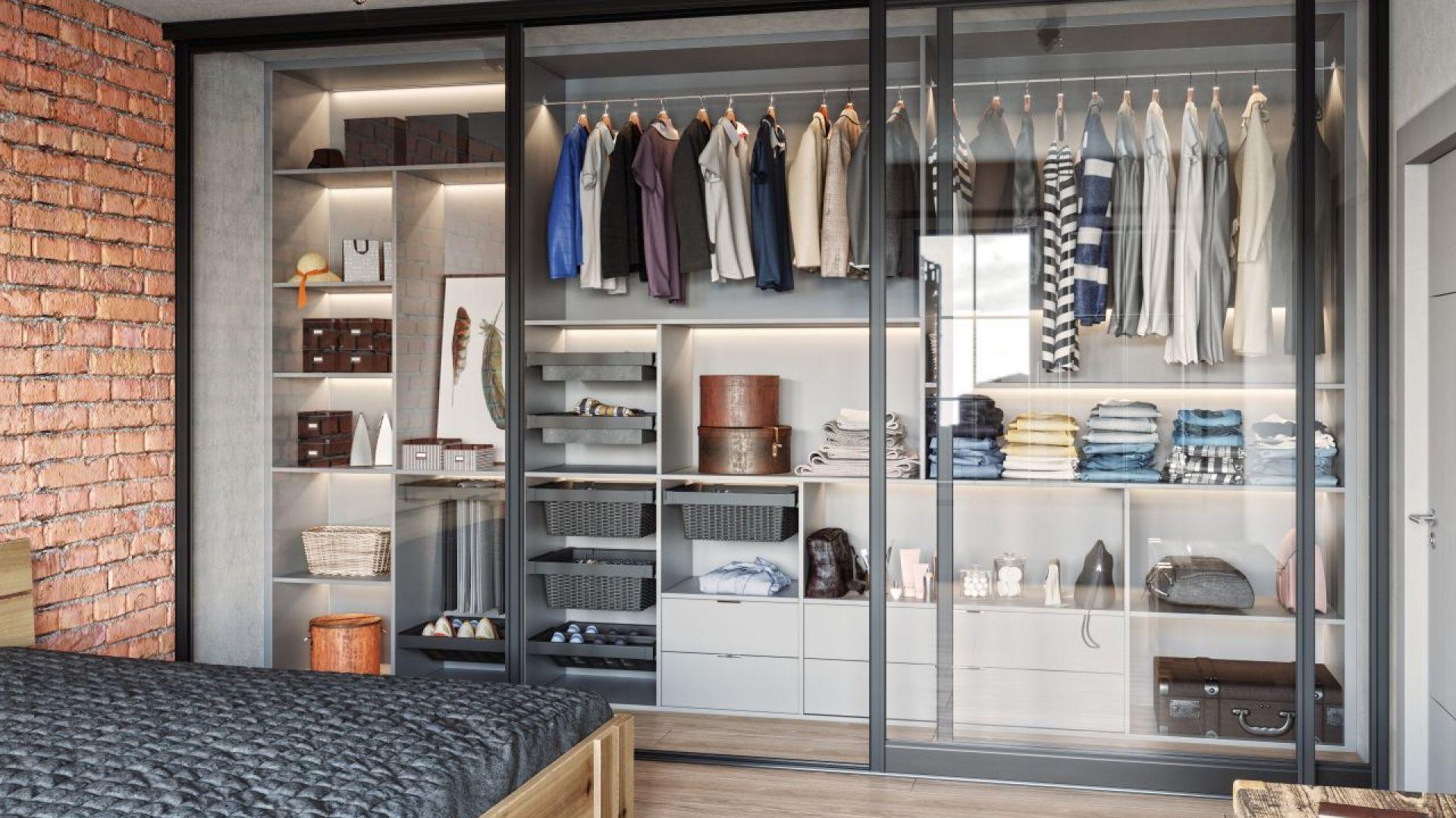 Coraz większym uznaniem wśród konsumentów będzie cieszył się styl włoskiego modernizmu. Minimalistyczny maksymalizm nawiązujący do mediolańskiego designu z lat 50. XX wieku z pewnością dedykowany jest osobom lubiącym odważne wnętrza, nieoczywiste połączenia i kombinacje oraz niekonwencjonalne zestawienie wzorów. Fot. GTV