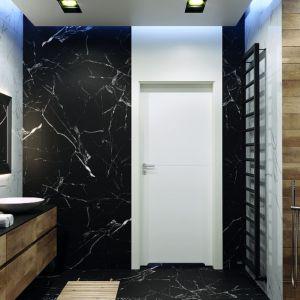 Drzwi Porta Desire stonują pełną przepychu łazienkę. Fot. Porta
