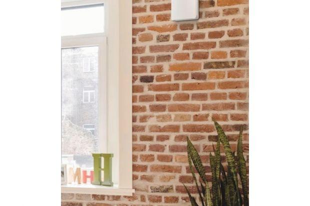Według statystyk człowiek przez około 80% swojego życia przebywa w zamkniętych pomieszczeniach, w tym około 50% tego czasu spędza w pomieszczeniu mieszkalnym. Warto więc zadbać o odpowiednią jakość powietrza w domu. Idealna ilość tlenu w pow