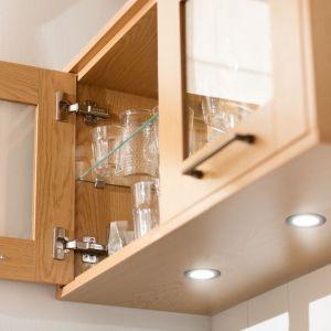 Urządzając nowoczesną kuchnię należy pamiętać o prawidłowym oświetleniu jej głównej części, blatów oraz mebli. Fot. Häfele