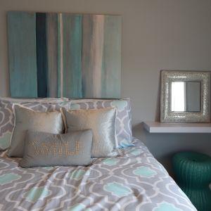 Kolorystykę i materiał łóżka uzależniamy od stylu, w jakim chcemy urządzić sypialnię. Fot. CH Fasty