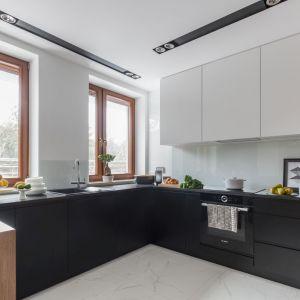 Na unikalność kuchni nie może składać się tylko oryginalny, personalizowany design, ale również wyjątkowa funkcjonalność zamknięta w detalach. Fot. Decoroom