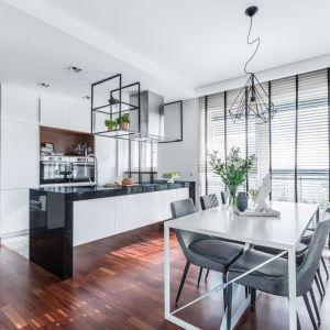 Kuchnia w wielu domach stanowi centrum życia rodzinnego. Fot. Decoroom