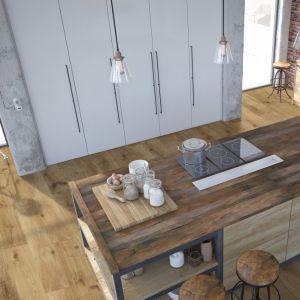 Drewniana podłoga zachwyca naturalnym urokiem, elegancją oraz trwałością. Fot. DLH