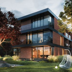 Głównym założeniem i podstawowym wymogiem inwestora był trójkondygnacyjny budynek mieszkalny, który przy zachowaniu funkcjonalności i przestronności idealnie wpasowałby się w wąską działkę. Fot. 81.WAW.PL