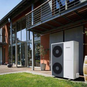 Aż 84% to udział energii przeznaczonej na ogrzewanie budynku oraz podgrzewanie ciepłej wody w całym bilansie zużycia energii w gospodarstwie domowym. Fot. Vaillant