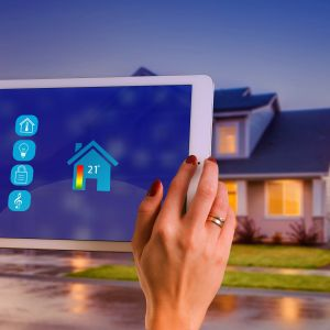 2019 rok związany będzie z popularyzacją już działających rozwiązań dla inteligentnych domów, które mają olbrzymi potencjał, oferując możliwości, które do niedawna były zarezerwowane dla filmów science fiction. Fot. Rettig Heating