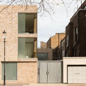 Dom Cheyne Walk od strony ulicy. Projekt / Fot. Architect: Feilden Clegg Bradley Studios