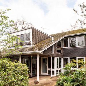 Dom położony jest w cichej, mieszkalnej dzielnicy Londynu. Fot. Architekt Kenneth Roy Hathaway