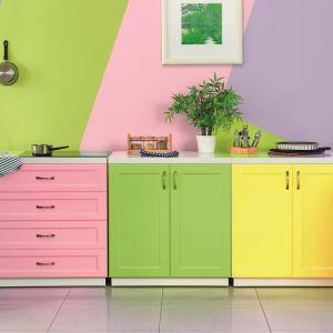 Kontrastowe zestawienia pozwalają czerpać radość z kreatywnego łączenia barw. Fot. Magnat