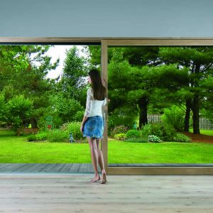 Okna Innoview dostępne są z pakietem dwu, a nawet trzyszybowym, co zapewnia bardzo dobre parametry termoizolacyjne. Fot. Fakro