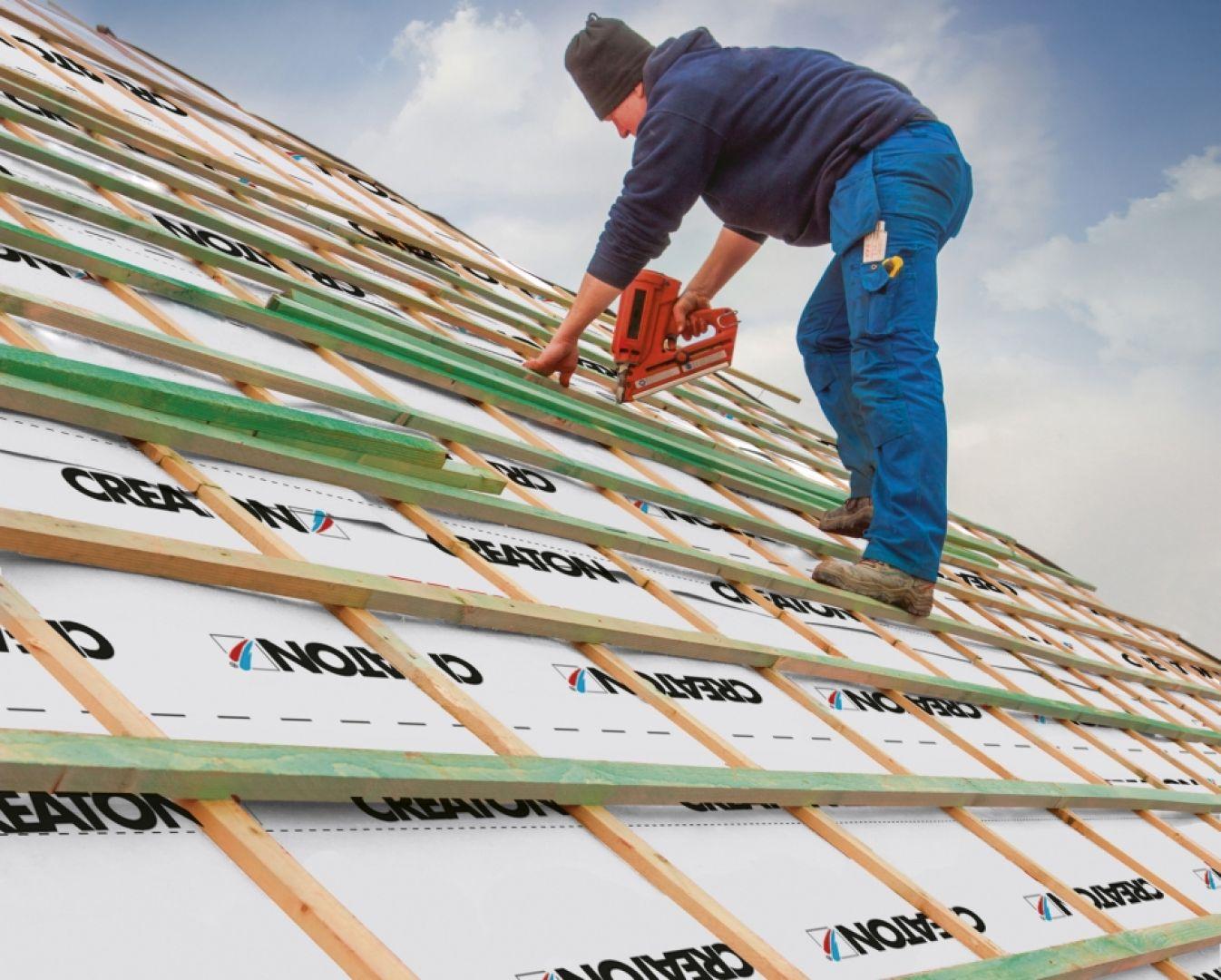Dobra membrana ma za zadanie zabezpieczyć konstrukcję dachową przed negatywnym wpływem czynników zewnętrznych i wewnętrznych. Fot. Creaton