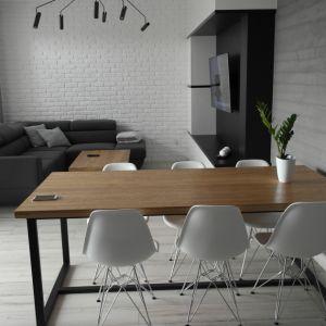 Drewno w naszych domach może królować także na podłodze. Do wyboru mamy przede wszystkim parkiet lub deski. Fot. Fasty