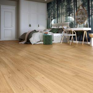 Konstrukcja warstwowa stabilizuje podłogę i zabezpiecza przed zmianami zachodzącymi w pomieszczeniach pod wypływem zmian temperatury i wilgoci w sezonie letnim i zimowym. Fot. Baltic Wood