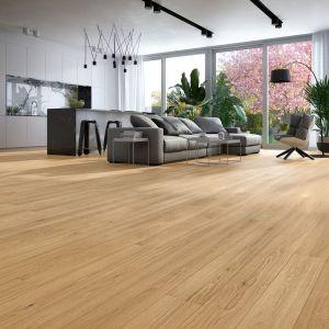 W nowoczesnych aranżacjach królują podłogi drewniane wykonane z najszlachetniejszych i najtrwalszych materiałów, takich jak dąb. Fot. Baltic Wood