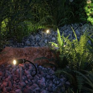Starannie dobrane światło dodaje też uroku całemu ogrodowi – łącznie z jego najodleglejszymi zakamarkami i najmniejszymi, zielonymi mieszkańcami. Fot. Paulmann