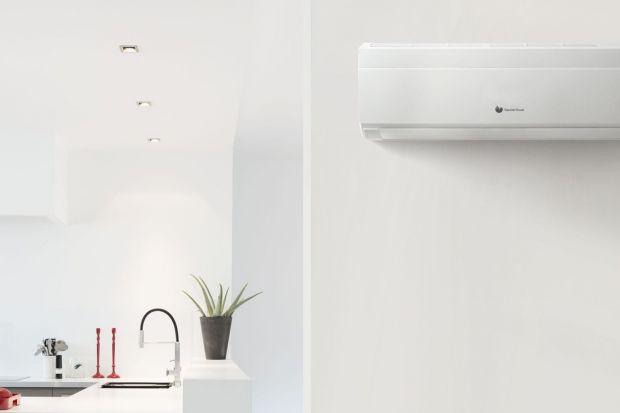 Klimatyzatory ścienne to doskonałe urządzenia do mieszkań i domów jednorodzinnych. Mogą być łatwo i szybko montowane zarówno w budowanych, jak i już istniejących budynkach. Wśród nich można wyróżnić typ konwencjonalny, który decyzją Uni