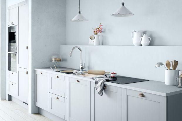 Styl Skandynawski dominuje w trendach wnętrzarskich od blisko dekady. Swą ogromną popularność zawdzięcza właśnie oszczędnej formie, minimalizmowi, czystości i prostocie. Bielone drewno, zieleń, naturalne tkaniny i materiały to elementy nadają