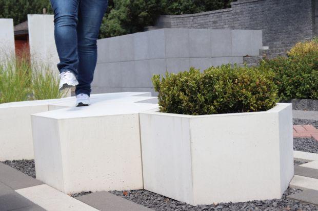 Dekoracje ogrodowe z betonu architektonicznego