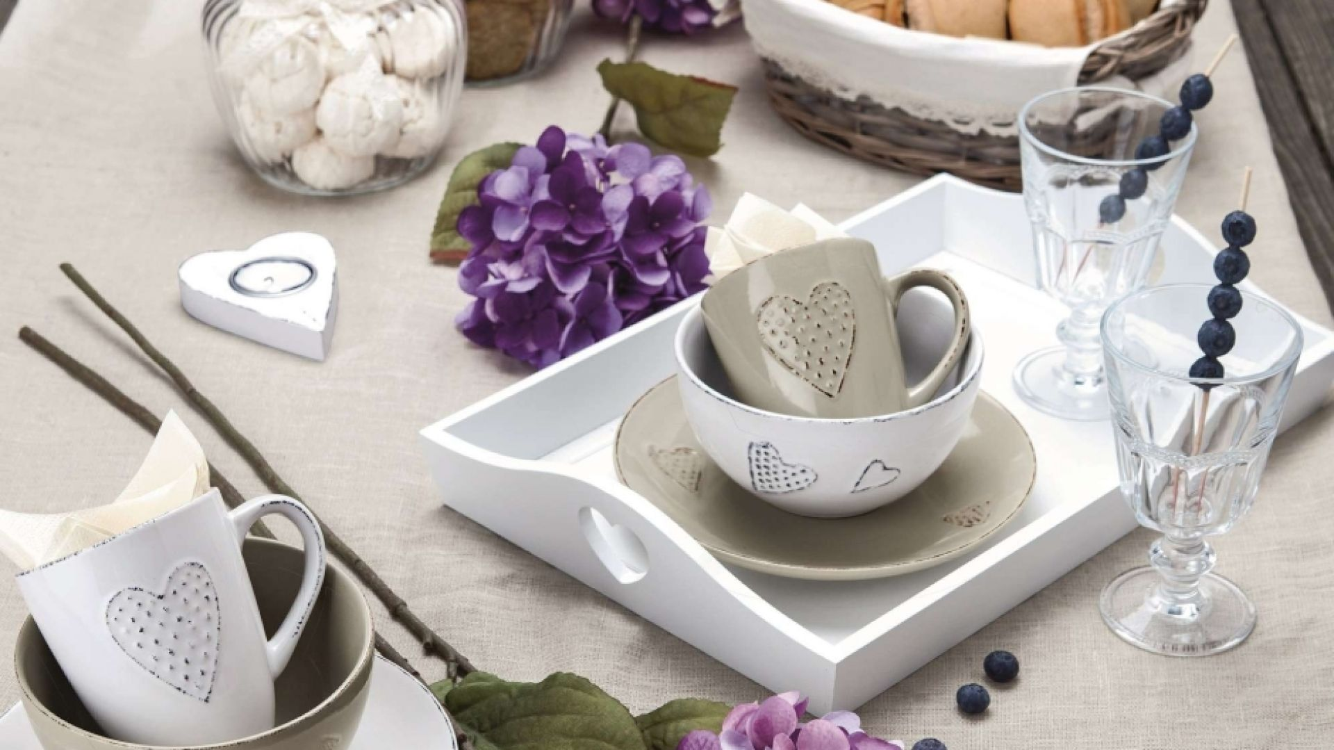 Najważniejsze w stylu prowansalskim są: prostota i naturalne materiały. Fot. KiK