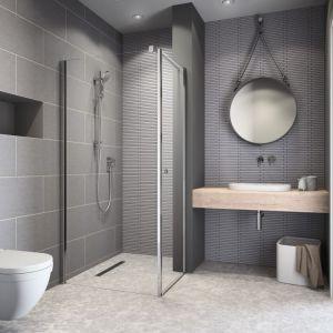 Aranżując małą łazienkę warto zastanowić się nad kabiną, którą można zamontować bezpośrednio na podłodze na brodziku podpłytkowym. Fot. Radaway