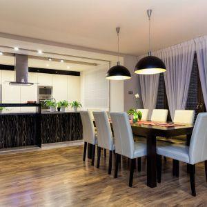 Po zainstalowaniu systemy smart home wzbogacają życie mieszkańców poprzez tworzenie komfortowej, oszczędnej i bezpiecznej przestrzeni domowej. Fot. Fibaro