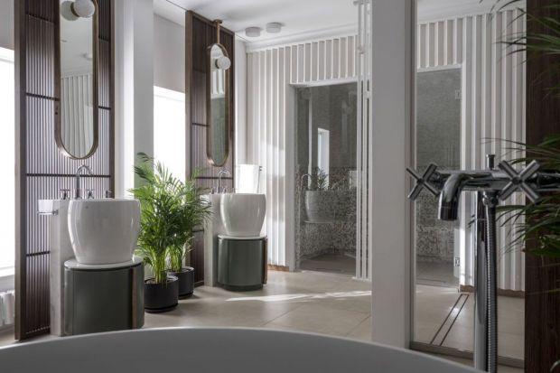 Właściciele tej willi są prawdziwymi miłośnikami antycznych czasów i chcieli nowoczesnego wnętrza z antycznymi akcentami, gdzie łazienka jest miejscem wypoczynku i relaksu. Wystrój wnętrza tej łazienki łączy charakterystyczną łaźnię turec