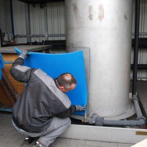 Głównym celem izolacji jest ochrona przed stratami energii i kondensacją w instalacjach. Fot. Armacell