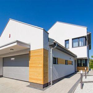 Budując dom warto zatroszczyć się nie tylko o wrażenia estetyczne czy funkcjonalność powierzchni, lecz także o odpowiednią izolację akustyczną. Fot. Baumit