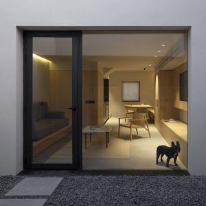 W walenckim mieście Alzira, architekci ze studia Olmos Estudio podjęli się wyzwania polegającego na renowacji domu o powierzchni 125 metrów kwadratowych. Fot. Ritmonio