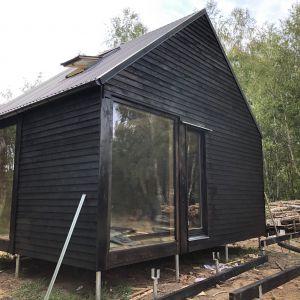 Biodomek Junior ze skośnym dachem - w trakcie budowy. Fot. eKodama