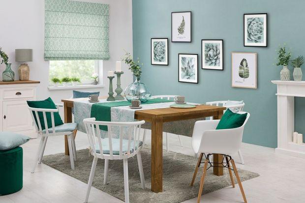 Dekoracja stołu może przybierać wiele form – ważne jednak, aby bez względu na swój charakter była ona spójna i tworzyła harmonijną całość w połączeniu z naczyniami oraz sztućcami.