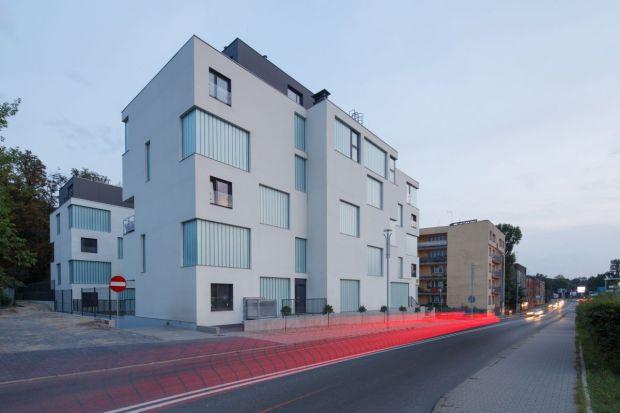 Zespół budynków mieszkalnych przy ulicy Złotej 19 w Katowicach obejmuje 2 obiekty mieszkalne, 5-kondygnacyjne, z mieszkaniami o powierzchni 50-70 mkw. Na ostatnich kondygnacjach znajdują się apartamenty o powierzchniach od ok. 100 do 150 mkw. (z